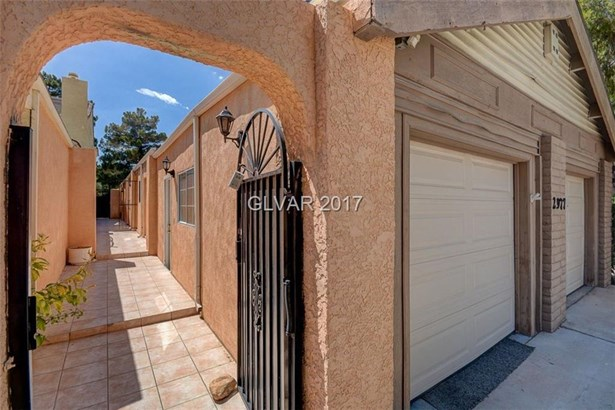 2977 Bel Air Drive, Las Vegas, NV - USA (photo 4)
