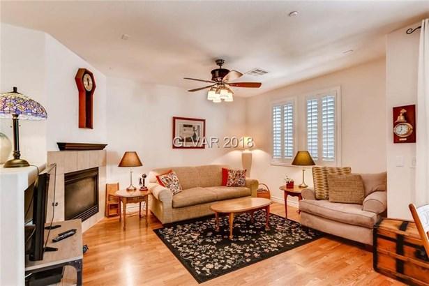 8419 Classique Avenue 101, Las Vegas, NV - USA (photo 5)