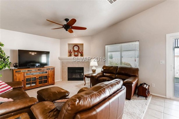 1070 Deangelis Drive, Henderson, NV - USA (photo 5)