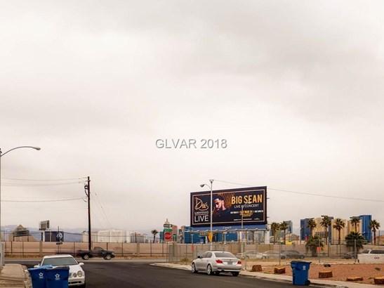 833 De Met Drive, Las Vegas, NV - USA (photo 2)