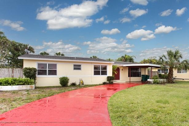 Single Family Detached, 1 Story - Satellite Beach, FL (photo 1)