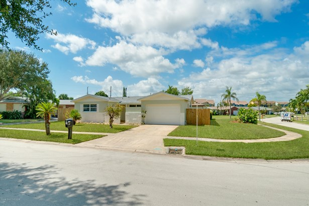Single Family Detached, 1 Story - Indian Harbour Beach, FL