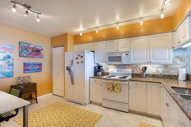 Condominium, 3+ Stories - Indian Harbour Beach, FL (photo 3)