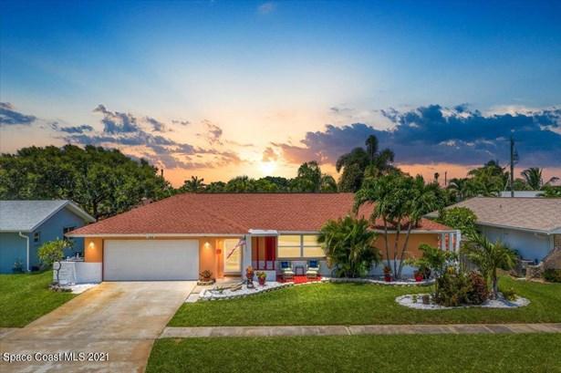 Single Family Detached, 1 Story - Satellite Beach, FL