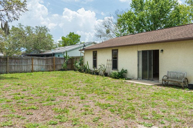 Single Family Detached, 1 Story - Titusville, FL (photo 4)