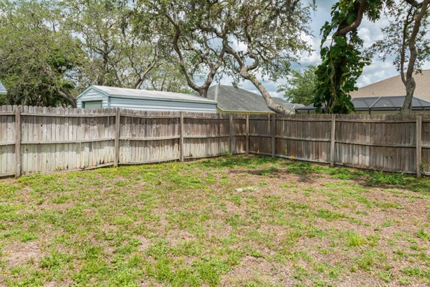 Single Family Detached, 1 Story - Titusville, FL (photo 5)