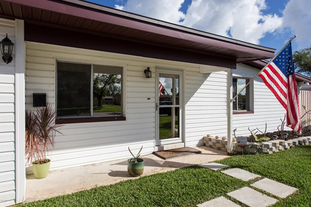 Single Family Detached, 1 Story - Merritt Island, FL (photo 3)