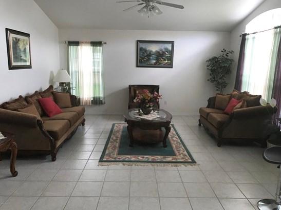 Single Family Detached, 1 Story - West Melbourne, FL (photo 3)