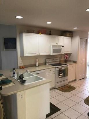 Single Family Detached, 1 Story - West Melbourne, FL (photo 5)