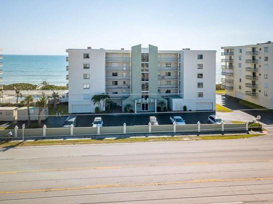 Condominium, 3+ Stories - Satellite Beach, FL (photo 1)