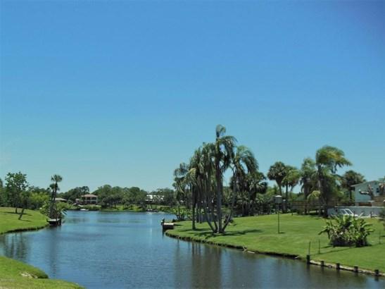 3+ Stories, Condo - Melbourne, FL (photo 2)