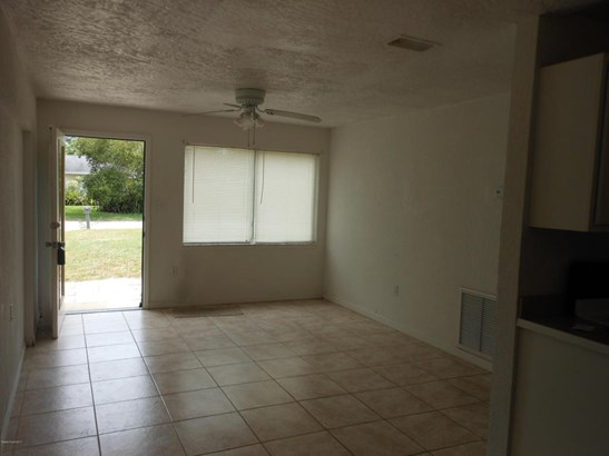 Single Family Detached, 1 Story - West Melbourne, FL (photo 2)
