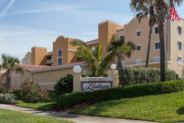 Condominium, 3+ Stories - Indian Harbour Beach, FL (photo 2)