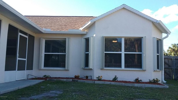 Single Family Detached, 1 Story - Cocoa, FL (photo 4)