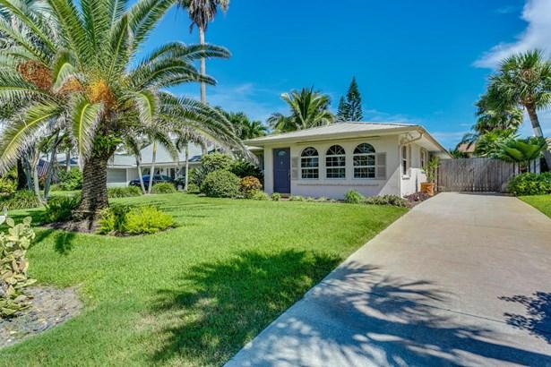 Single Family Detached, 1 Story - Melbourne Beach, FL (photo 2)