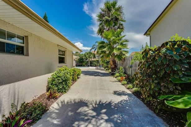 Single Family Detached, 1 Story - Melbourne Beach, FL (photo 3)