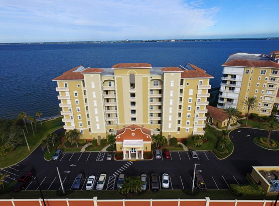 Condominium, 3+ Stories - Palm Bay, FL (photo 2)