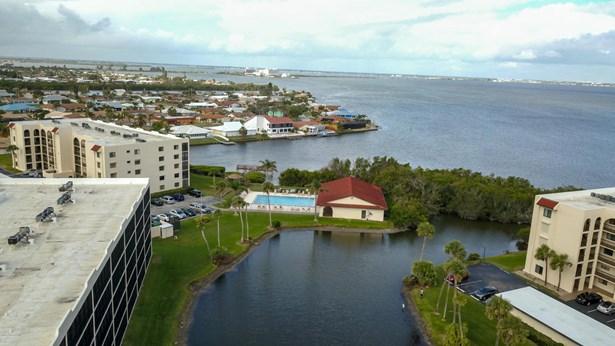 1 Story, Condominium - Cape Canaveral, FL (photo 4)