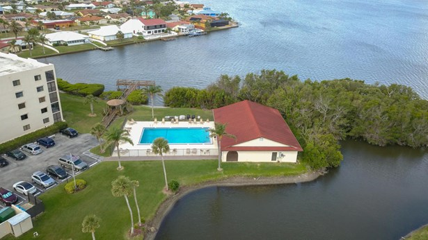 1 Story, Condominium - Cape Canaveral, FL (photo 5)