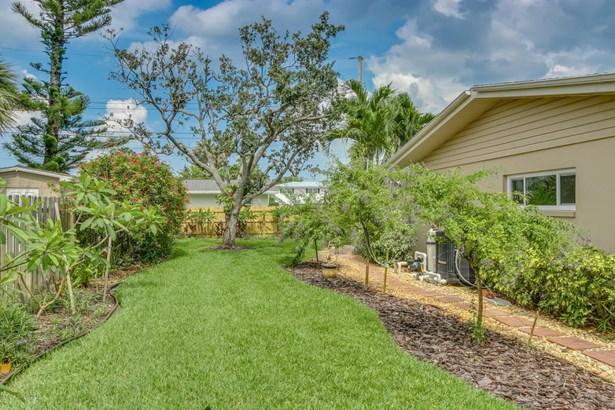 Single Family Detached, 1 Story - Satellite Beach, FL (photo 5)