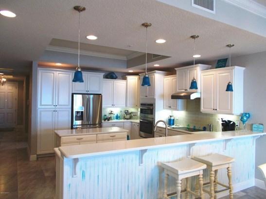 Condominium, 3+ Stories - Indialantic, FL (photo 2)