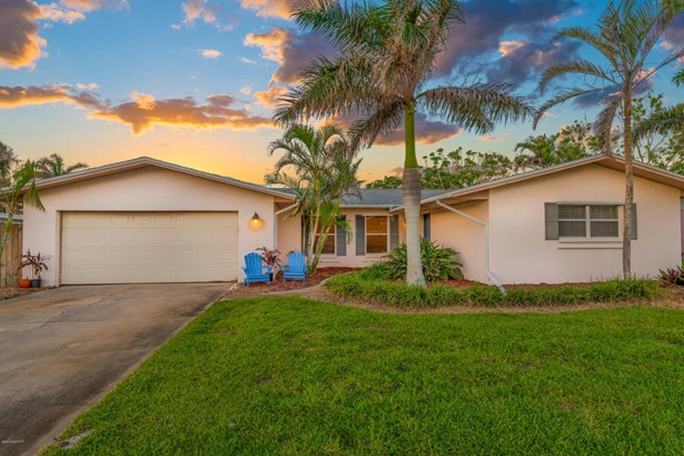Single Family Detached, 1 Story - Melbourne Beach, FL (photo 2)