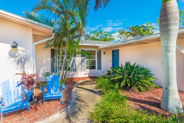 Single Family Detached, 1 Story - Melbourne Beach, FL (photo 3)