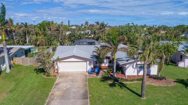 Single Family Detached, 1 Story - Melbourne Beach, FL (photo 5)
