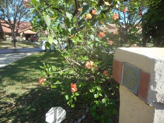 Townhouse, 1 Story - Palm Bay, FL (photo 2)