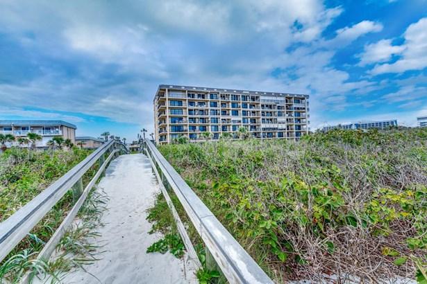 Condominium, 3+ Stories - Cocoa Beach, FL (photo 1)