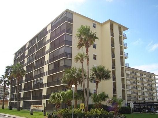 Condominium, 3+ Stories - Indian Harbour Beach, FL