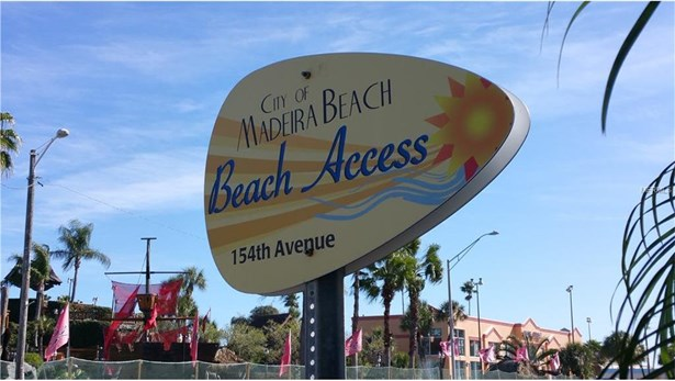 15405 Gulf Boulevard, Madeira Beach, FL - USA (photo 2)
