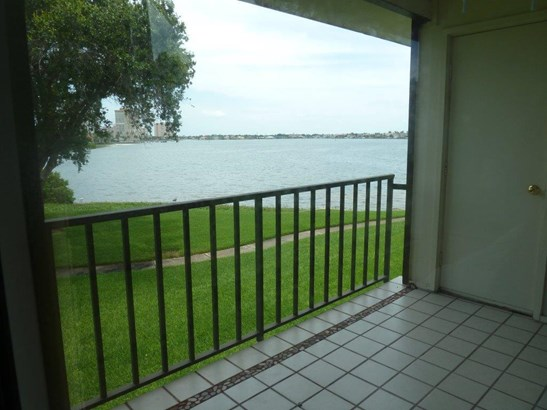 6104 Palma Del Mar Boulevard South 205, St. Petersburg, FL - USA (photo 4)