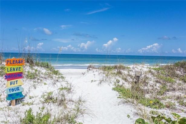 12 Gulf Boulevard B2, Indian Rocks Beach, FL - USA (photo 2)