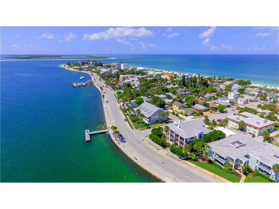 1104 Pass A Grille Way, St. Petersburg Beach, FL - USA (photo 2)