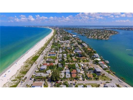 1104 Pass A Grille Way, St. Petersburg Beach, FL - USA (photo 3)