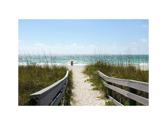 2308 1st Street 2, Indian Rocks Beach, FL - USA (photo 2)