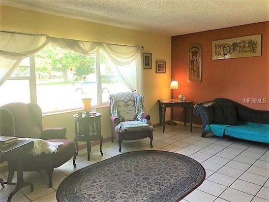 6383 Hampton Drive North, St. Petersburg, FL - USA (photo 5)