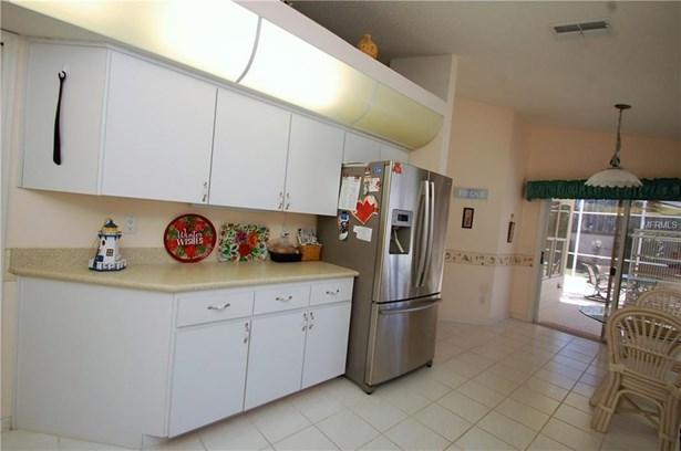 6017 Country Ridge Lane, New Port Richey, FL - USA (photo 5)