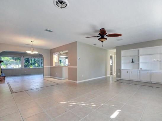 311 Orangewood Lane, Largo, FL - USA (photo 4)