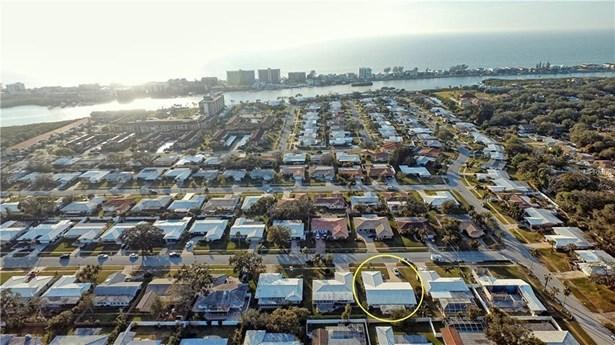 10443 Monarch Drive, Largo, FL - USA (photo 3)