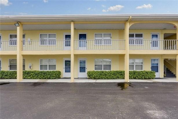 9715 West Harrell Avenue 12, Treasure Island, FL - USA (photo 1)
