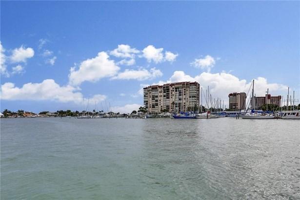 9715 West Harrell Avenue 12, Treasure Island, FL - USA (photo 3)