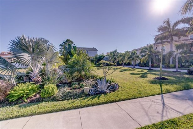 105 Forest Hills Drive, Redington Shores, FL - USA (photo 3)