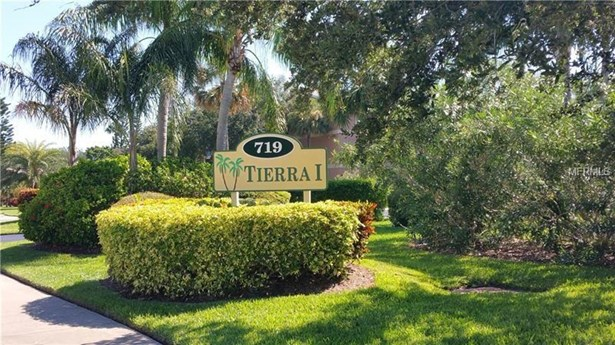 719 Pinellas Bayway South 211, Tierra Verde, FL - USA (photo 2)