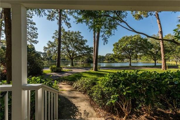 6425 Lake Shore Drive North, St. Petersburg, FL - USA (photo 3)