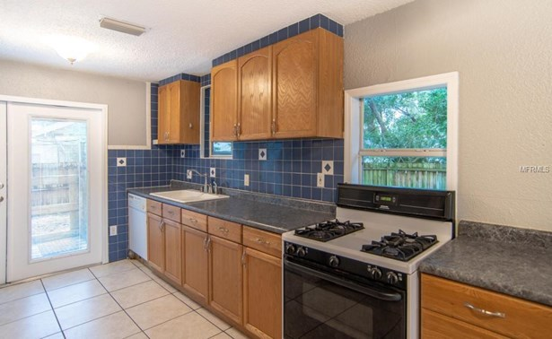 1171 Highland Court North, St. Petersburg, FL - USA (photo 5)