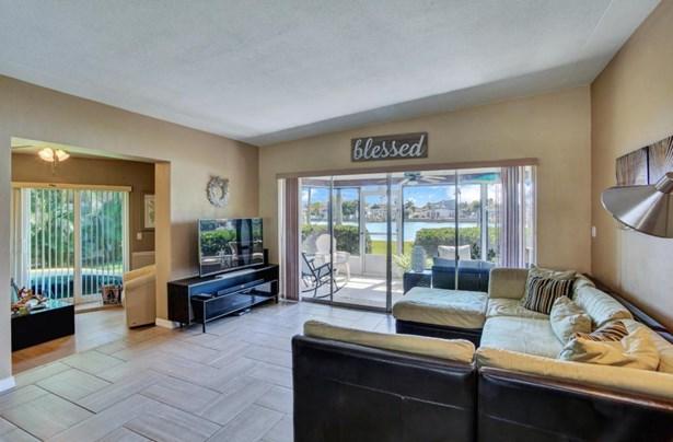 11380 9th Street East, Treasure Island, FL - USA (photo 3)