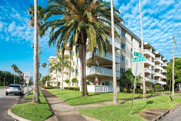 1200 North Shore Drive North East 414, St. Petersburg, FL - USA (photo 1)