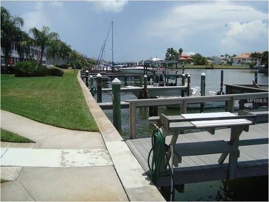 719 Pinellas Bayway South 211, Tierra Verde, FL - USA (photo 3)